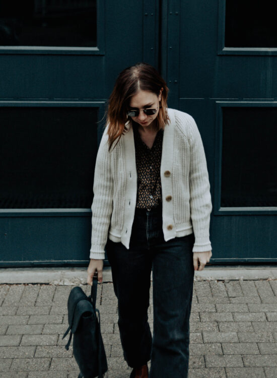 cream chunky cardigan, boxy cardigan, cropped cardigan, black vintage jeans, everlane review