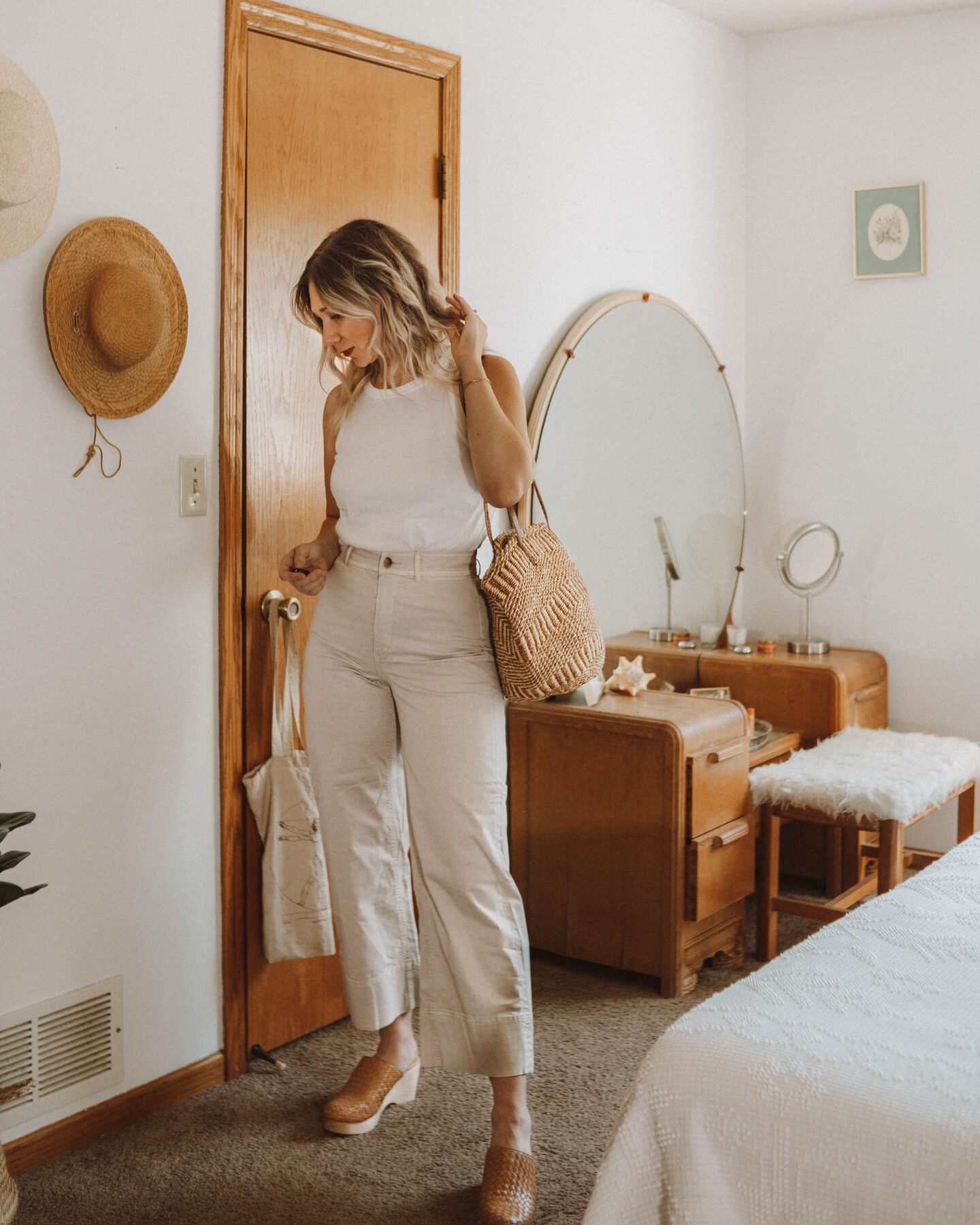 How to Style Wide Leg Pants + 6 Outfit Ideas, everlane lightweight wide leg crop chino, cut out tank, everlane woven clogs
