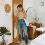 A Week of Summer Outfit Ideas, levis ribcage straight leg jeans, peach baby doll tee, loq sandals