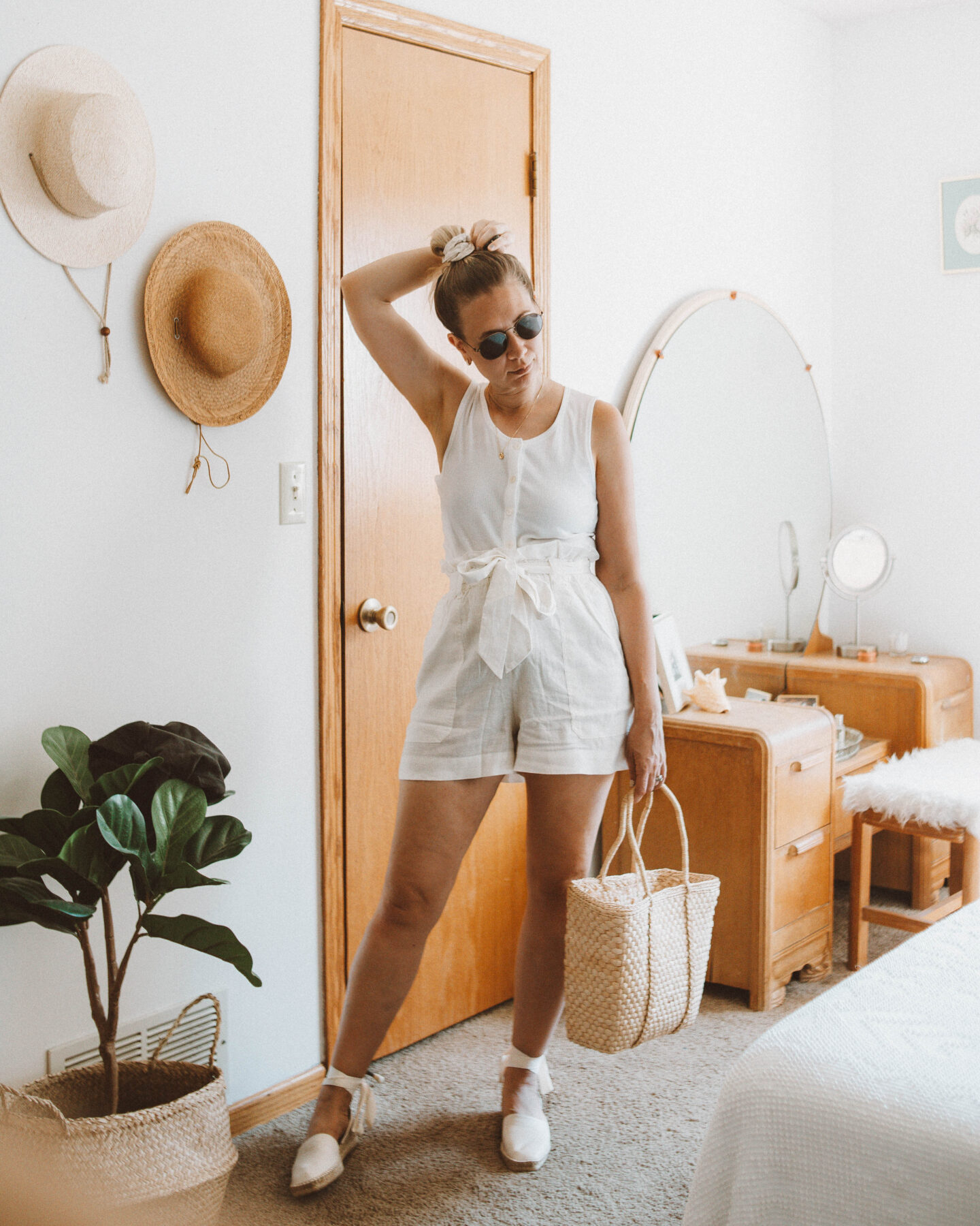 What's New at Everlane + 4 mini reviews, the selfie tank, the dorsay espadrille
