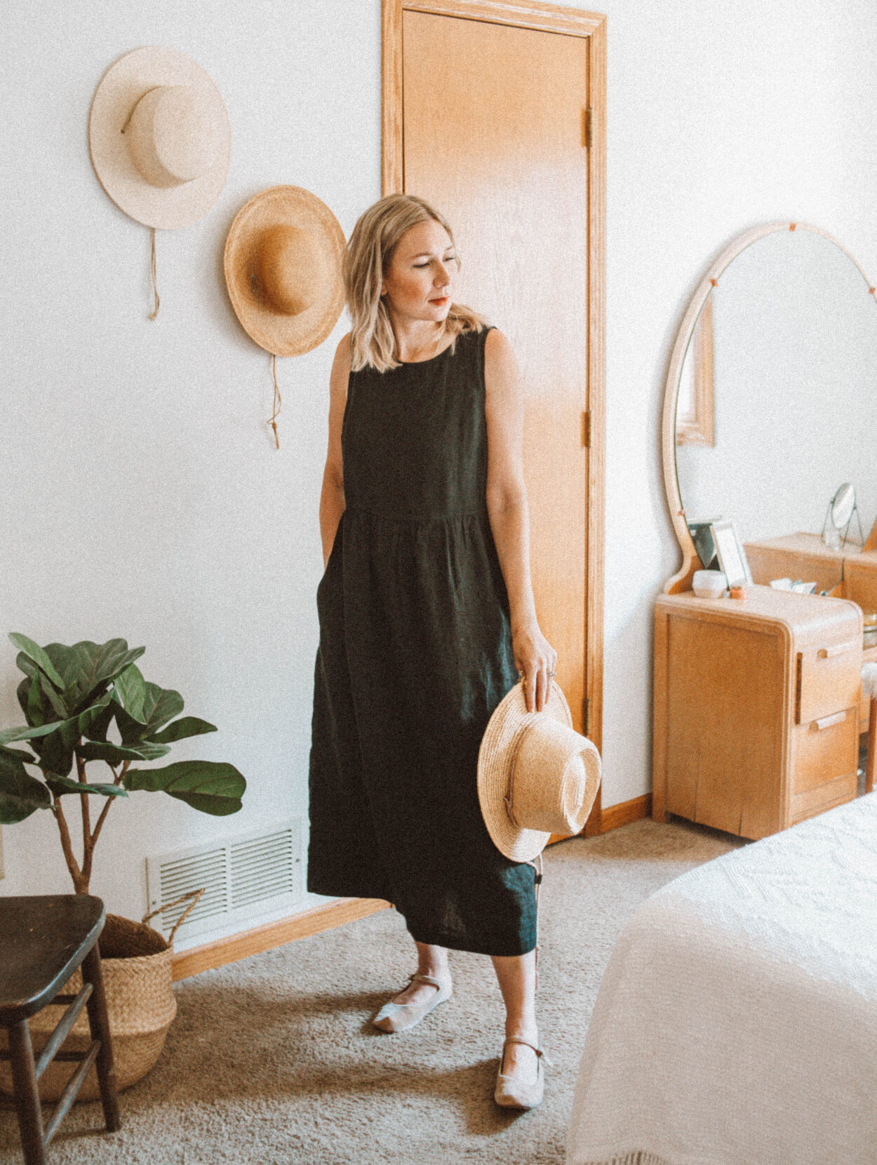 A Week of Outfits: Casual, Stylish Outfits for Real Life, pyne and smith model no. 6 in black linen
