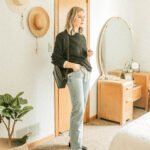 3 Summer to Fall Transition Outfits Feat. New & Old Pieces from Everlane, oversized alpaca crew, levi's dad jean