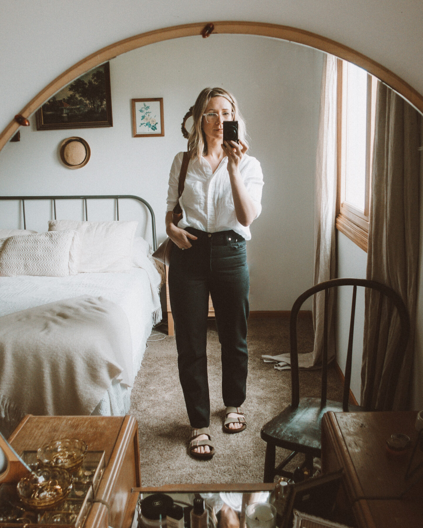 neutral outfits, what I wore this week, madewell dad jean, linen button down