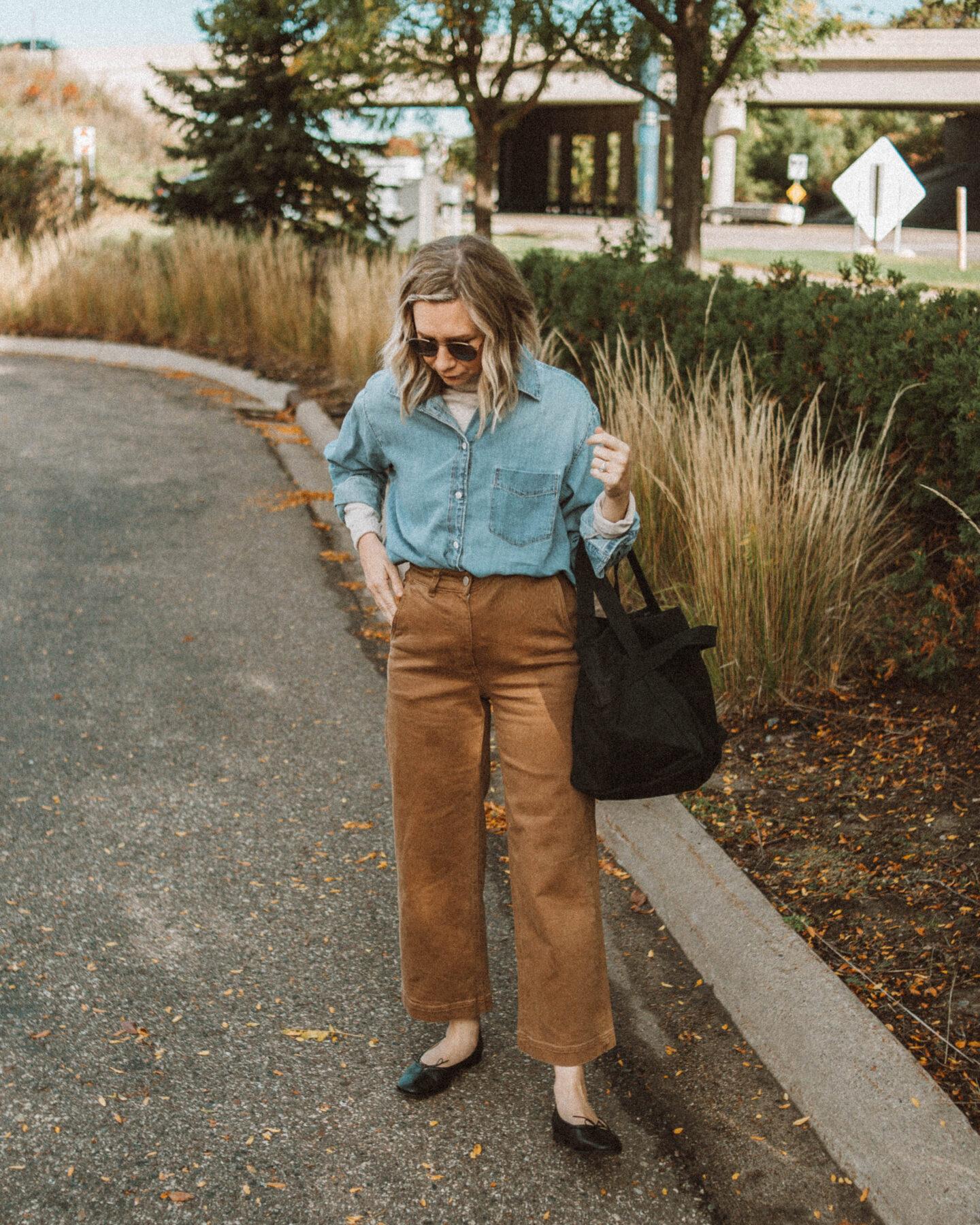 3 Ways to Wear Wide Leg Pants, Everlane Wide Leg Crop, Chambray Button Down