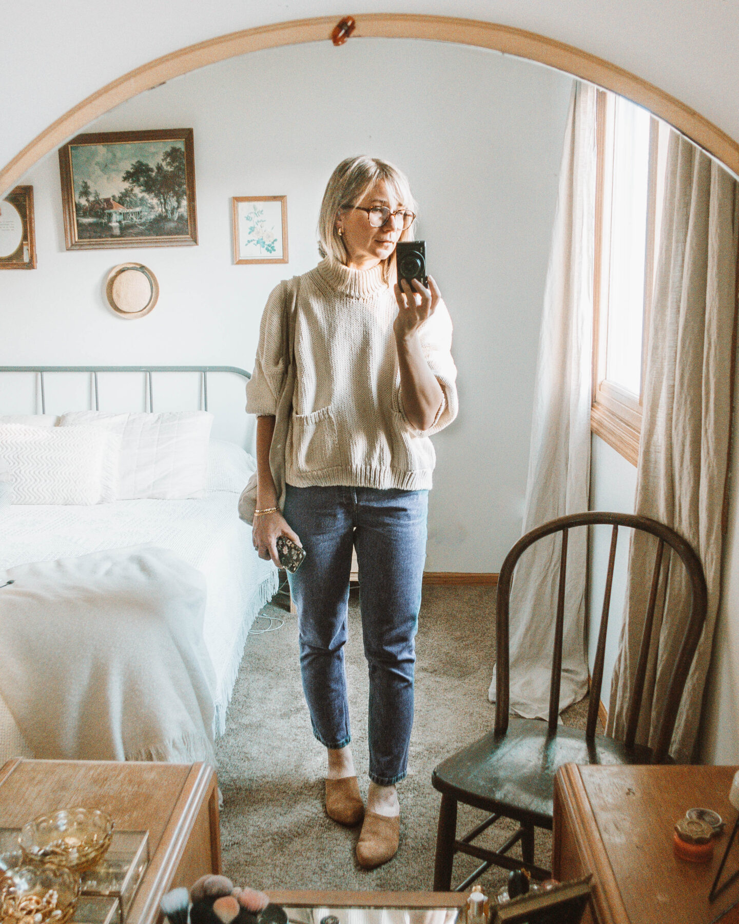 What I Wore in a Week, Babaa sweater, mom jean, nisolo mariella mule