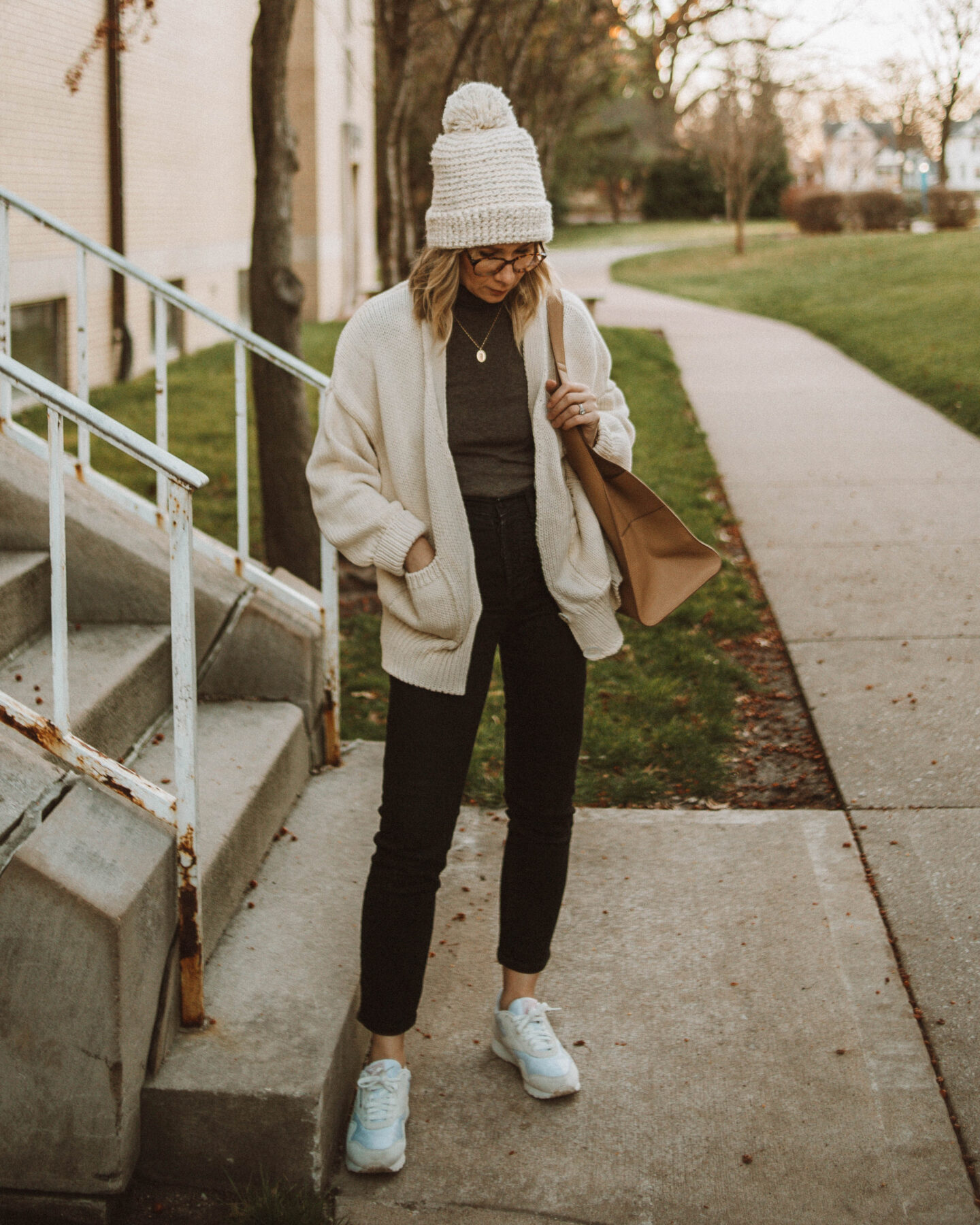 week of outfits, babaa cardigan, black straight jeans, white sneakers, bobble hat, turtleneck