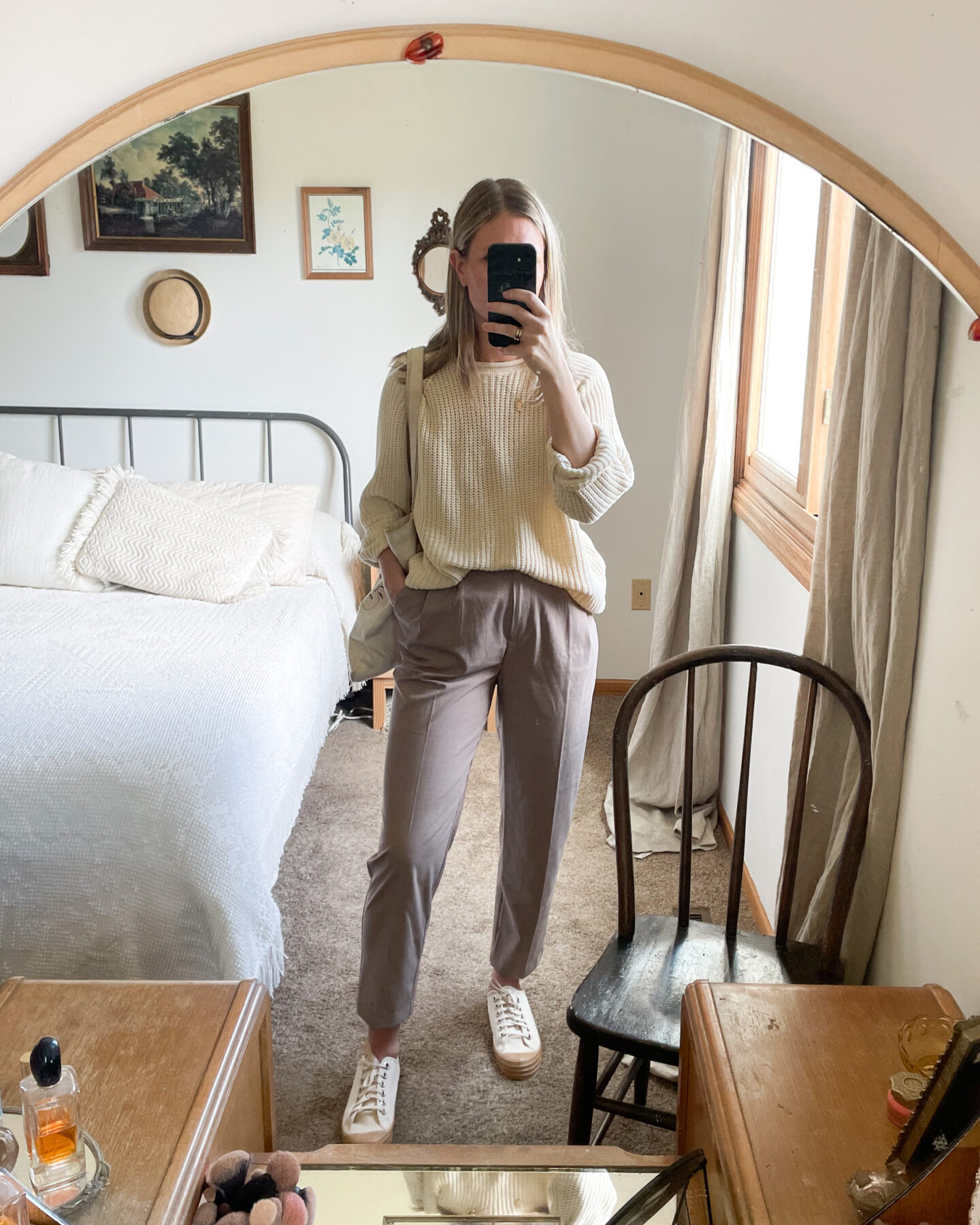 what I wore last week, cream sweater, tan pleated pants, white sneakers