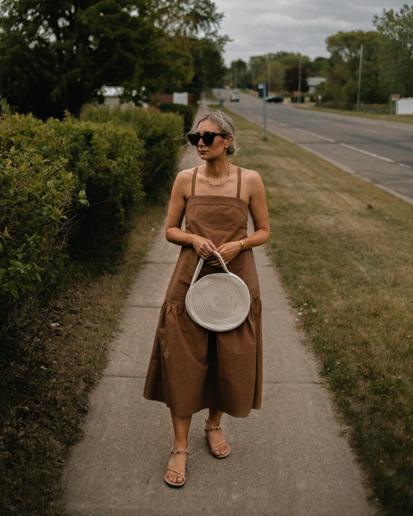 """Day to Night Dressing: How to Get Use Out of """"Event"""" Pieces in Your Closet, Everlane Apron Dress Review"""