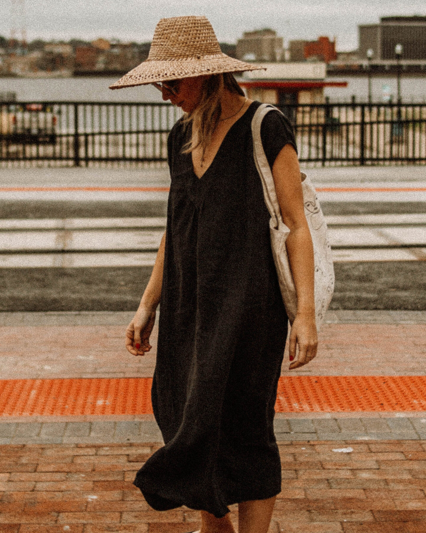 My Favorite Summer Dresses + How I'm Styling Them, black linen dress, hat