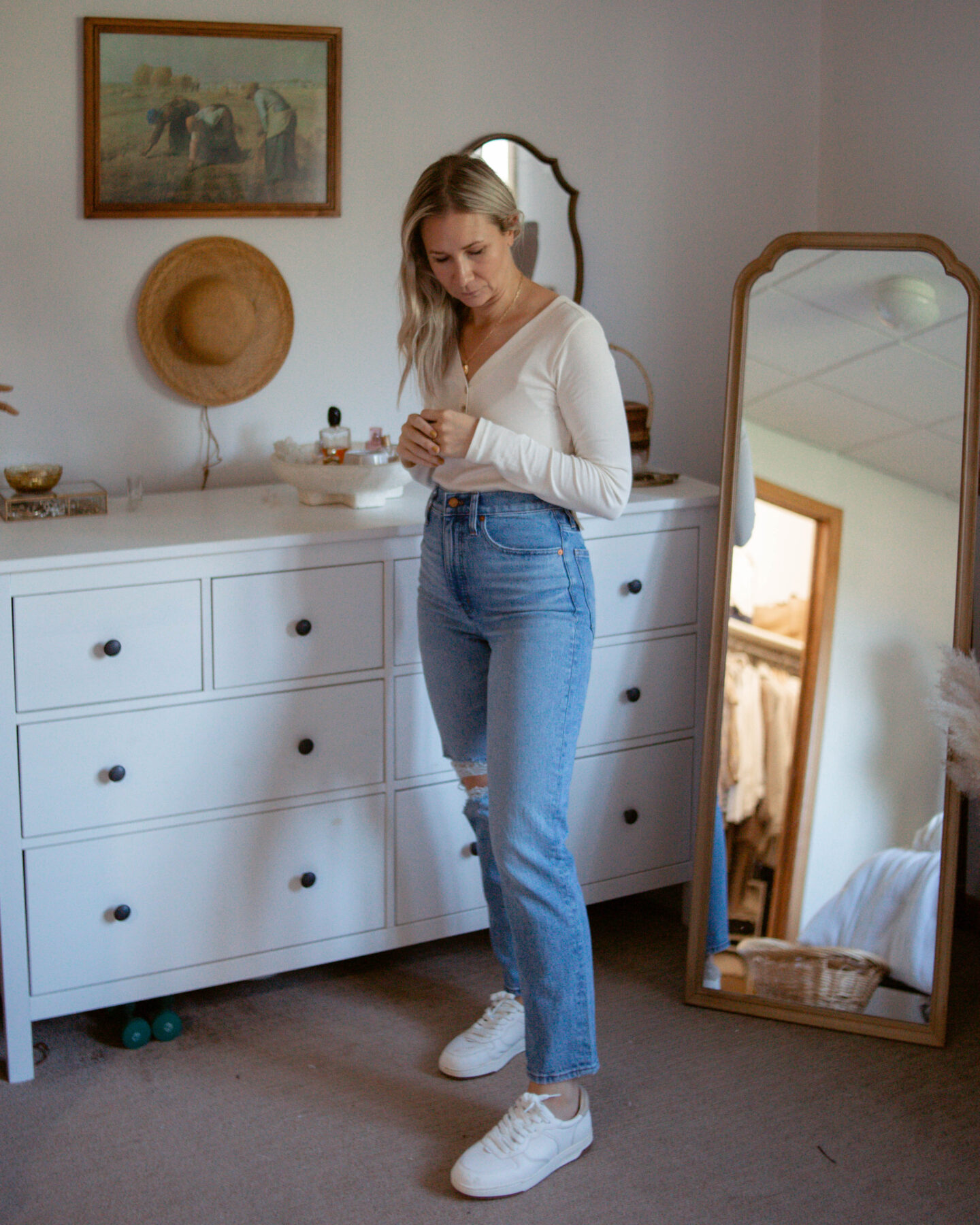 Karin Emily wears the perfect vintage straight jeans from Madewell and gives her honest thoughts in a review